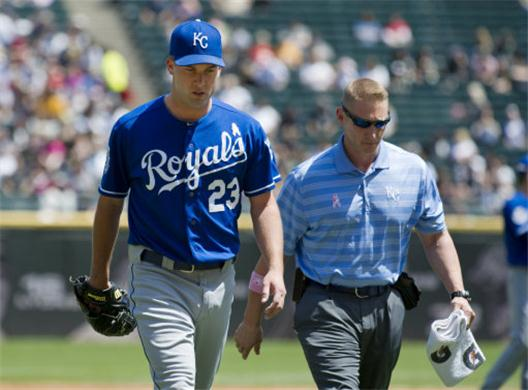 Kansas-City-Royals-starting-pitcher-Danny-Duffy-injured-with-torn-elbow-ligament-MLB-News-154160