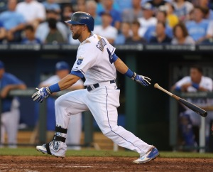 Kansas City Royals' Alex Gordon hits a single in the seventh inning during a baseball game against the San Francisco Giants, Saturday, Aug. 9, 2014, in Kansas City, Mo. (AP Photo/Ed Zurga)